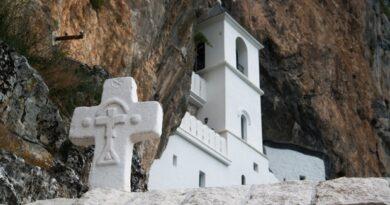 Запад води специјални рат против српске цркве и верника у Црној Гори