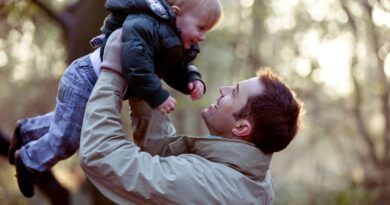 Добар отац није онај који зарађује пуно новца, већ онај који не напушта своју породицу