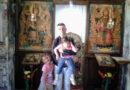 СУДБИНА СЕ ГРУБО ПОИГРАЛА СА ЧАЧАНИНОМ Зоран је самохрани отац и живи са четири кћерке: Марија, Анђелија, Стојка и Милица су његово злато, а за све има један савет