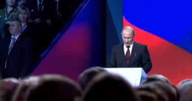 Путин променио Устав: Забрањени геј бракови и усвајање деце! Запад у хистерији…