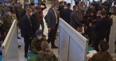 Војни синдикат против присилног вакцинисања које је наредио начелник генералштаба Мојсиловић