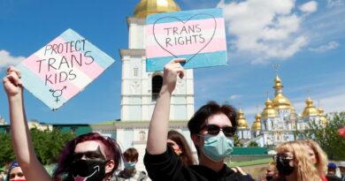 Путин: Учење деце да могу лако мењати пол граничи се са злочином против човечности!